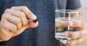 Charbon actif : Pourquoi et Comment utiliser ce «médicament ancestral» ?